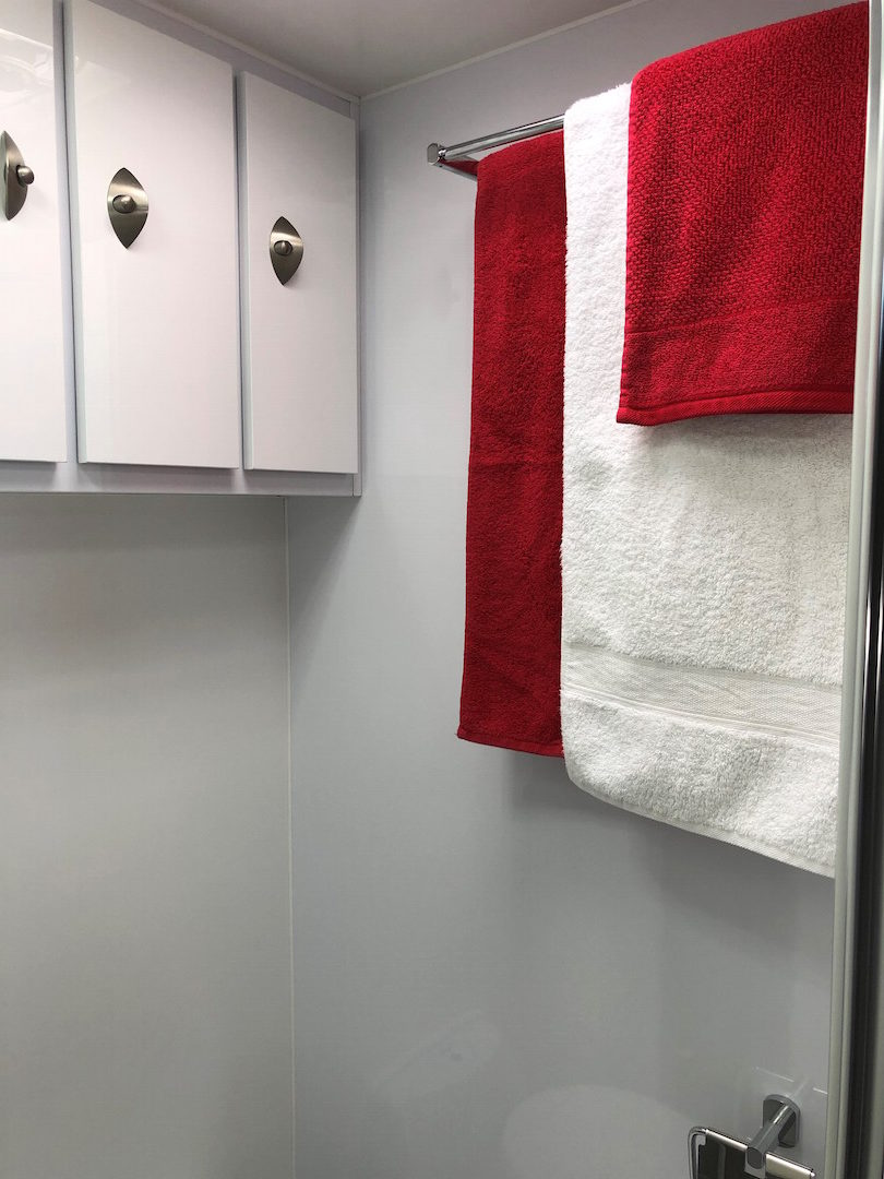 2018 5 BERTH ENSUITE CARAVAN HIRE MACKAY